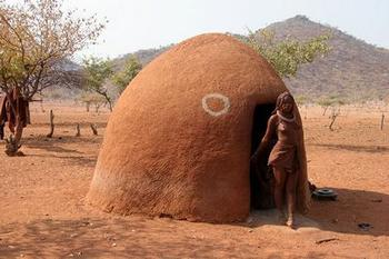 Himba house (photo by Yves Picq)