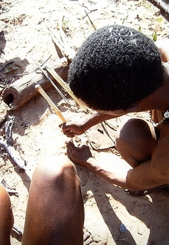 San men making poisoned arrows<br />