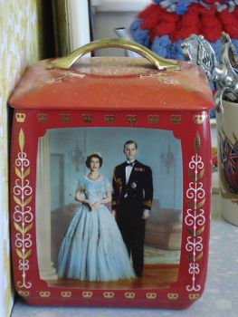 Coronation tea caddy