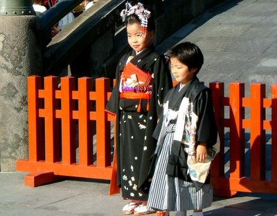 Kids at the Shichi-go-san festival